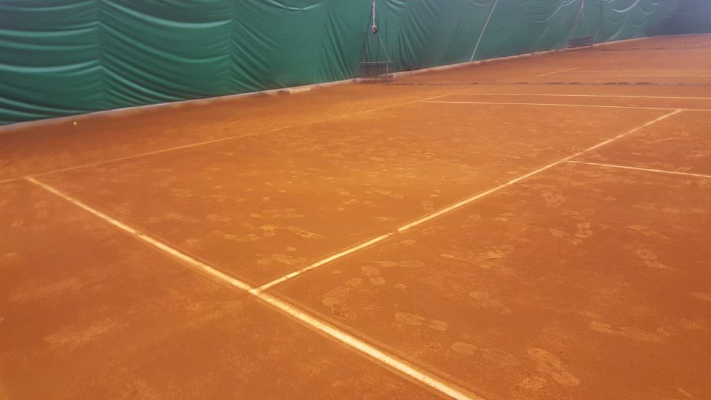 Indoor Red Clay